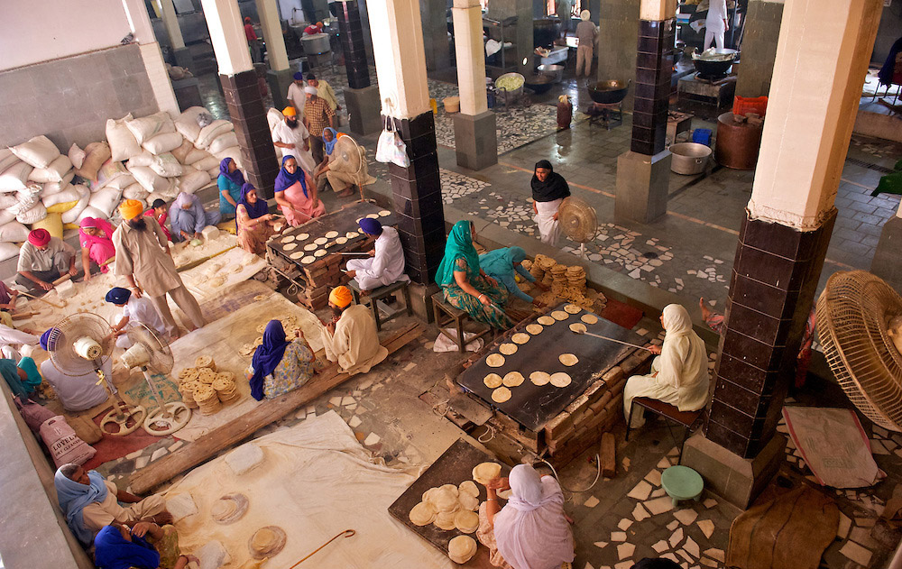 Guru Ka Langar - The Golden Temple communal Kitchen